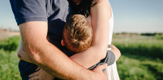 Abbracciamo i nostri figli!
